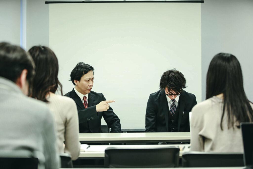 過去にトラブルを起こした不動産業者の謝罪のイメージ写真